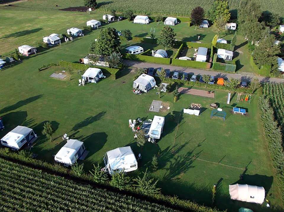 Luchtfoto camping - camping de prinsenhoeve