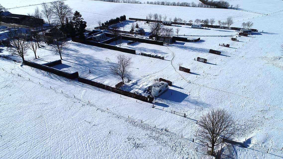 Wintercamping de Prinsenhoeve kamperen in de sneeuw - camping de prinsenhoeve